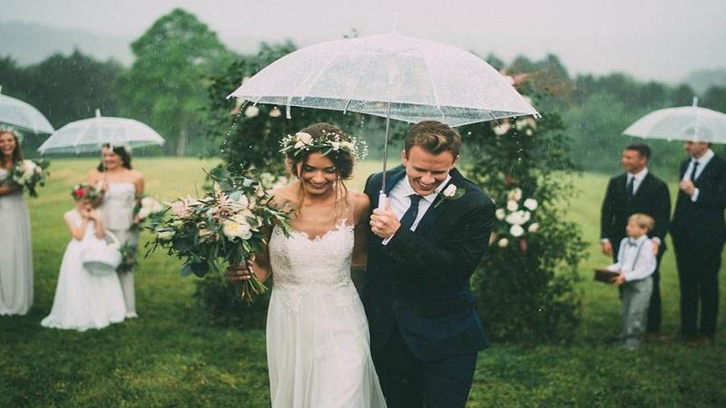 rainy wedding