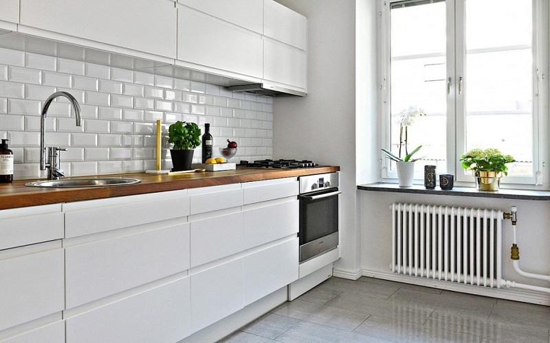 Benefits of small white kitchens